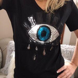 🧿Sequin Evil Eye V-Neck Tee in Black